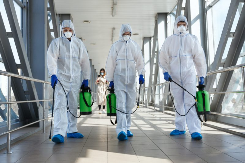 biohazard cleaning technicians