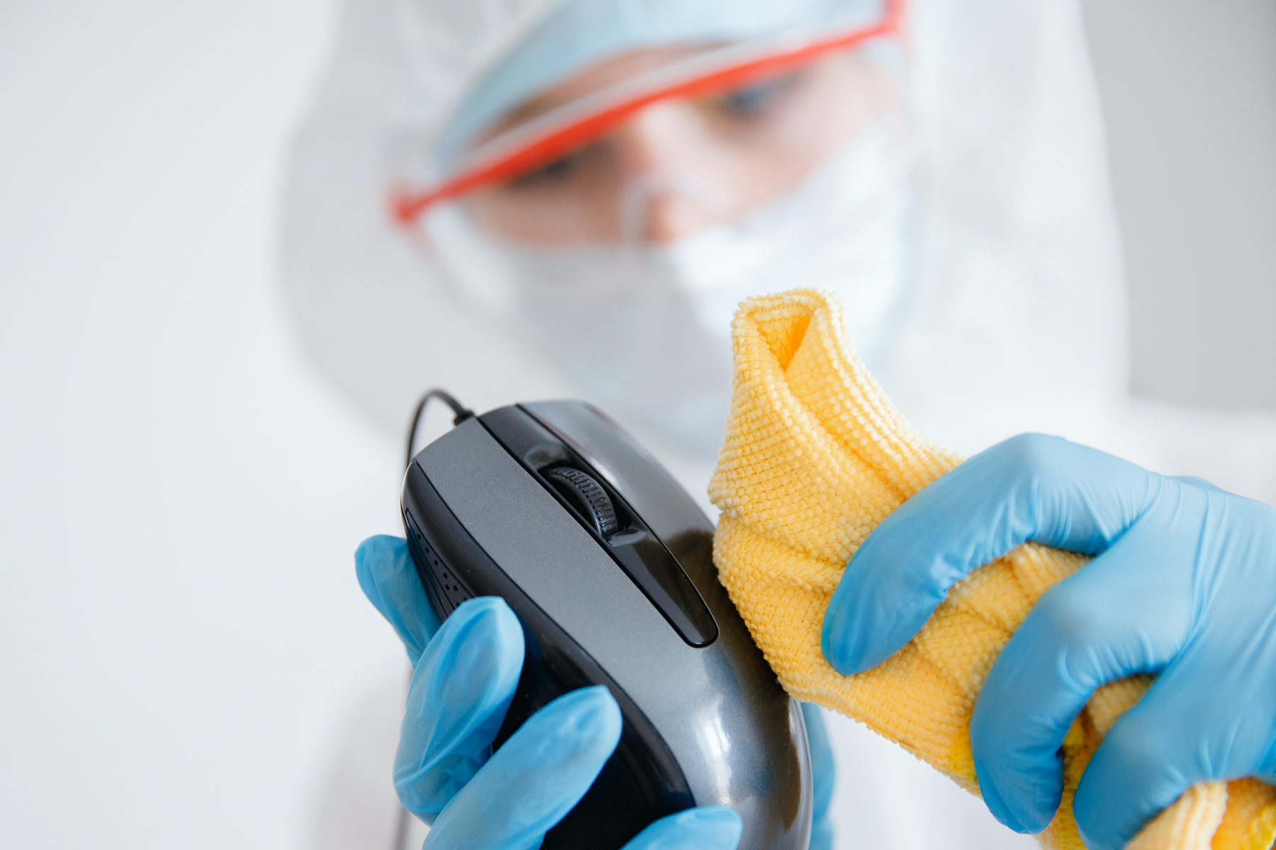 disinfecting services for offices technician cleaning